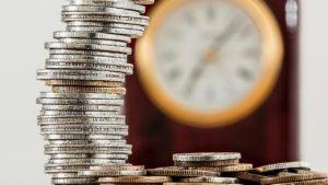 硬貨と時計